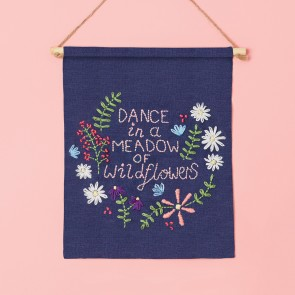 Embroidery Kit - Simply Make - Wall Hanging